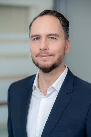 Dr. Kristian Koch